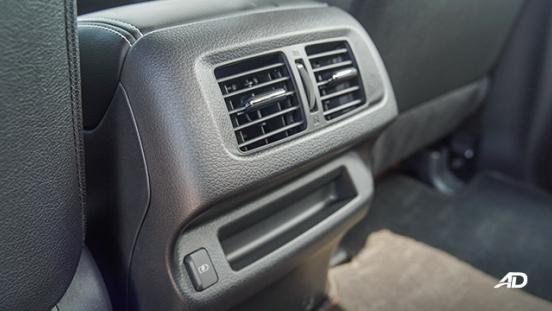 Nissan Navara PRO-4X interior rear vents