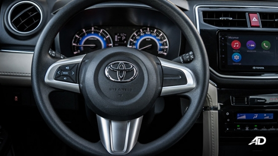 toyota rush road test interior steering wheel