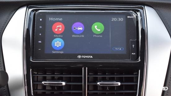 Toyota Vios XLE 1.3 CVT touchscreen infotainment system