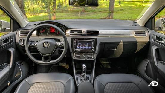 volkswagen santana road test interior dashboard