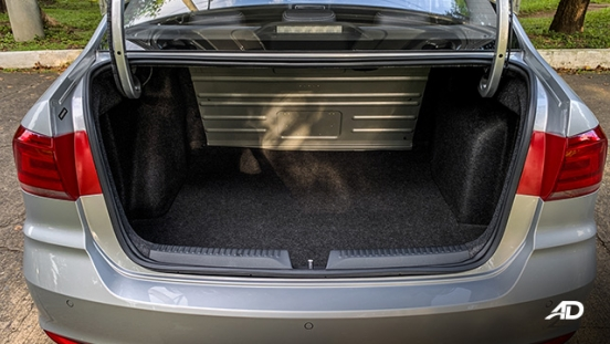 volkswagen santana road test interior trunk