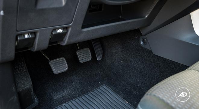 2018 Isuzu mu-X 1.9 RZ4E manual pedals