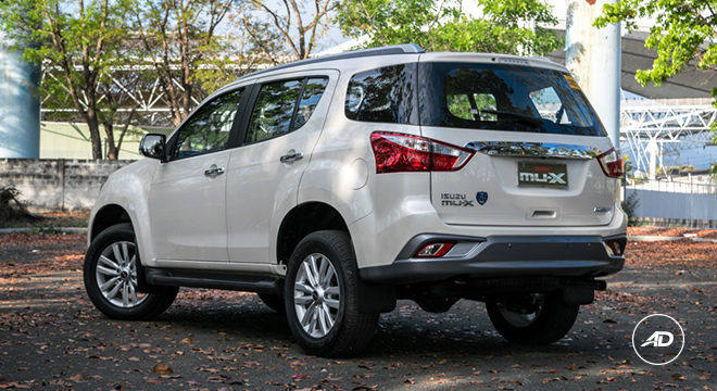 2018 Isuzu mu-X 1.9 RZ4E silky pearl white rear