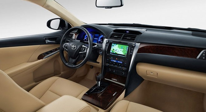 2018 Toyota Camry 3.5 V6 AT White Pearl Interior