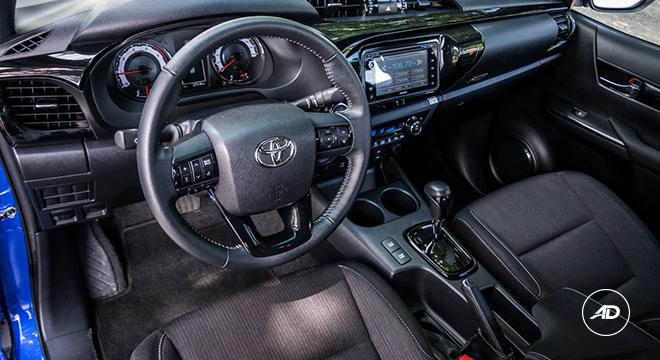 2018 Toyota Hilux Conquest cabin