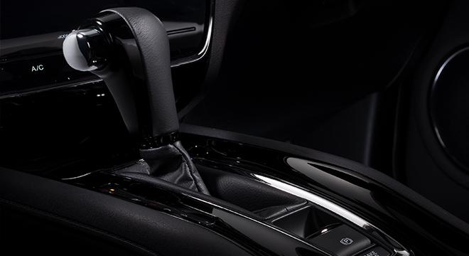2019 Honda HR-V RS gear shifter
