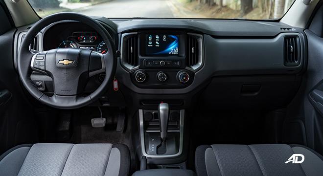 2020 Chevrolet Colorado interior dashboard