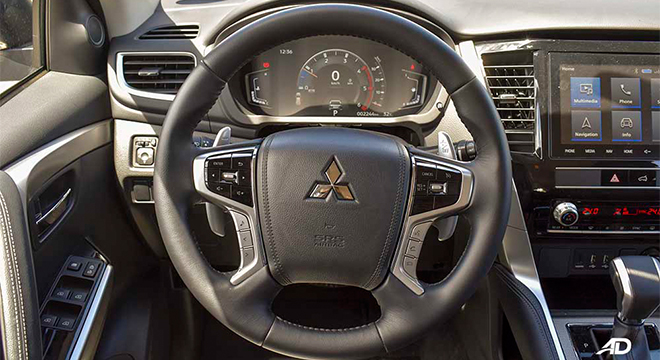 2020 Montero Sport GT 4x2 AT black steering wheel
