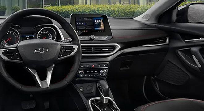 2021 Chevrolet Tracker interior