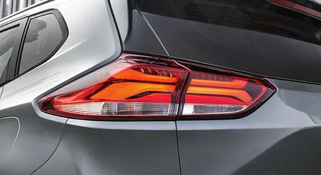 2021 Chevrolet Tracker tail light