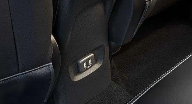 2021 Chevrolet Tracker USB ports