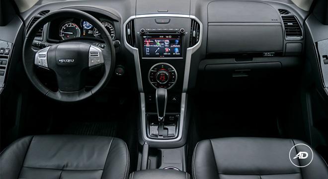 2021 Isuzu mu-X interior dashboard Philippines