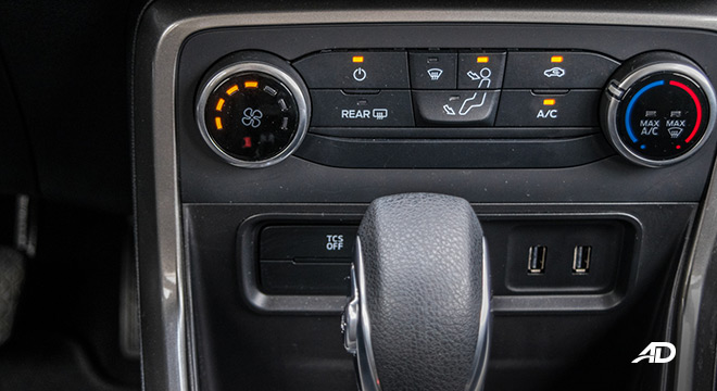 ford ecosport trend road test interior climate control