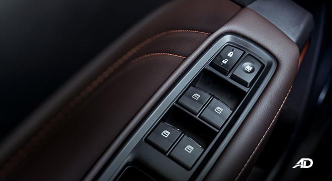 gac gs3 road test 1.5 door controls