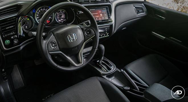 Honda City 1.5 VX NAVI CVT 2018 dashboard