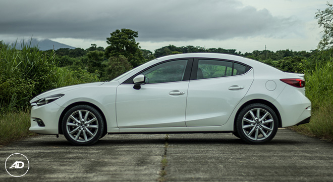 Mazda 3 Sedan 2.0 SkyActiv R AT