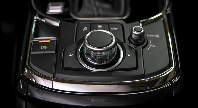 Mazda CX-9 Sport Touring 2018 center console