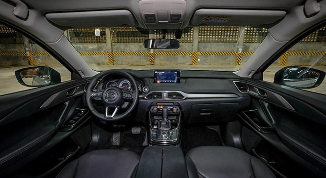 Mazda CX-9 Sport Touring 2018 interior
