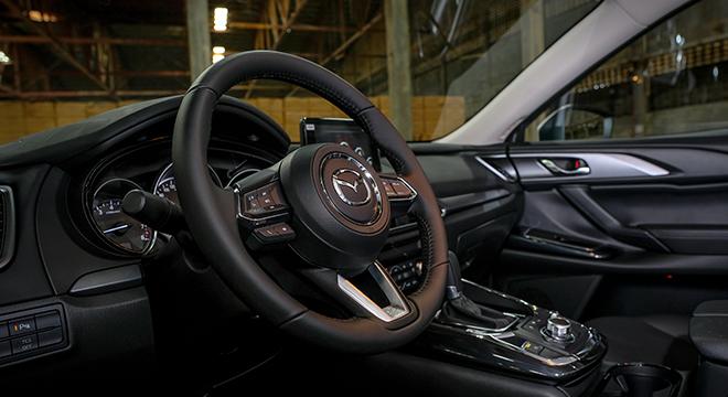 Mazda CX-9 Sport Touring 2018 steering wheel