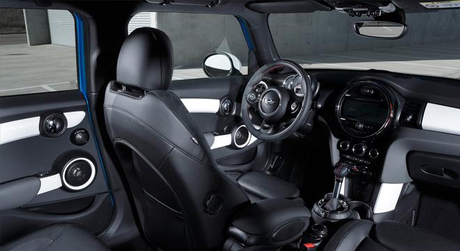 Mini Cooper 2.0L S (5Dr) 2018 Philippines interior