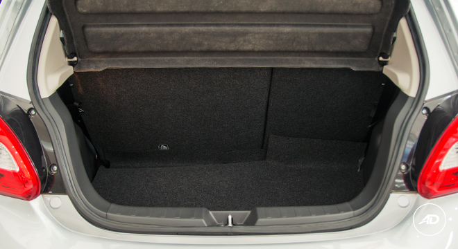 Mitsubishi Mirage GLS 2018 trunk
