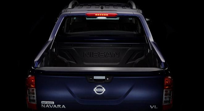 Nissan Navara 4X2 EL Calibre SV AT 2018 bed