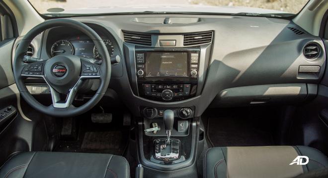 Nissan Navara PRO-4X dashboard