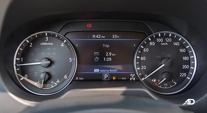 Nissan Navara PRO-4X gauges