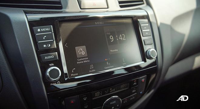 Nissan Navara PRO-4X infotainment system