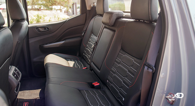 Nissan Navara PRO-4X  rear seat
