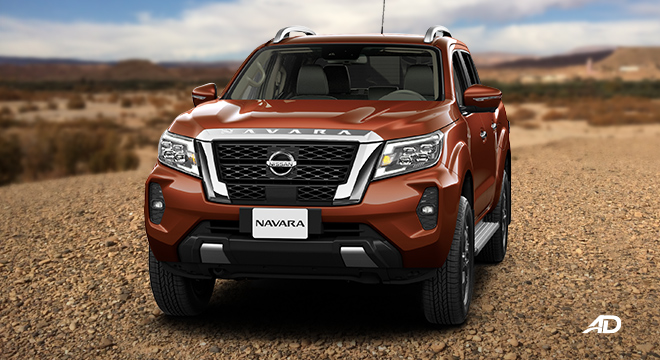 Nissan Navara VL front angle