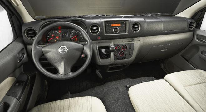 Nissan NV350 Urvan Premium 2018 dashboard