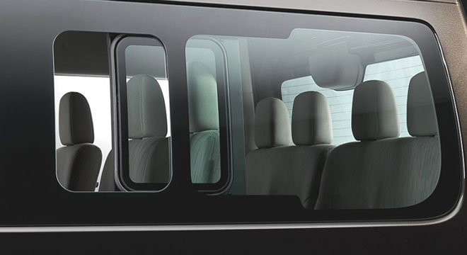 Nissan NV350 Urvan Premium 2018 window