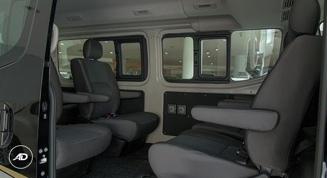 af2412479b9b4d Nissan NV350 Urvan Super Elite Escapade 10-seater 2018 seats