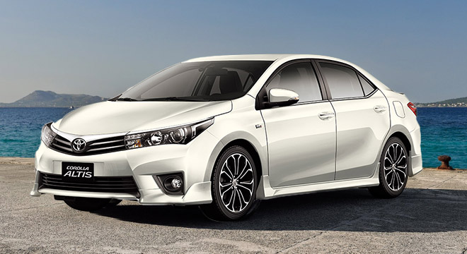 Toyota Corolla Altis 1.6 V AT White Pearl