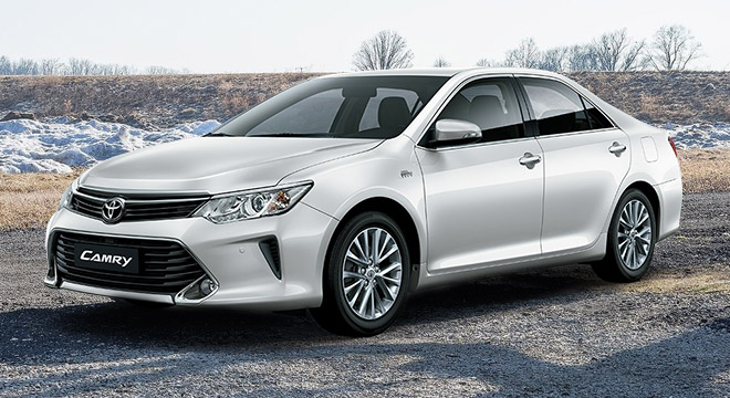 toyota camry 2 5 v at white pearl 2018 philippines price specs autodeal. Black Bedroom Furniture Sets. Home Design Ideas