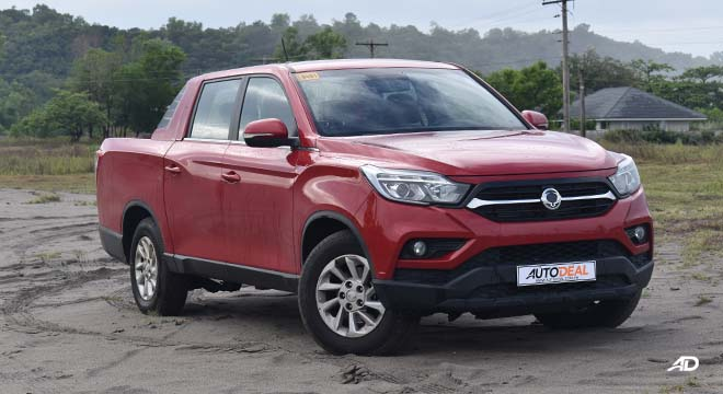 SsangYong musso grand road test front quarter
