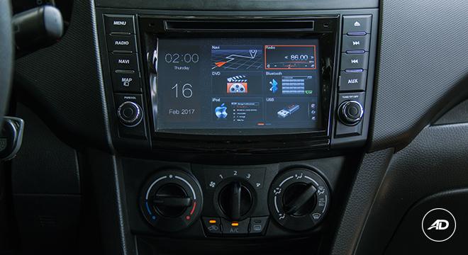 Suzuki Swift 2018 center console