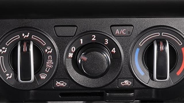 Suzuki Swift air conditioning controls