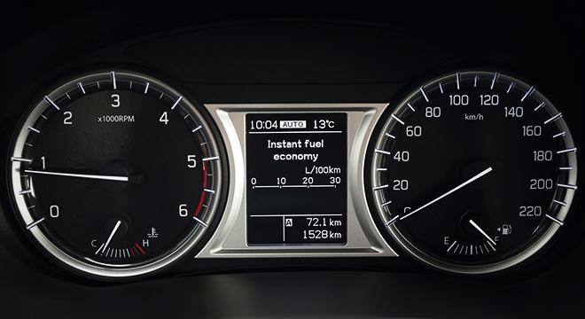 Suzuki Vitara GL+ 2018 instrument cluster