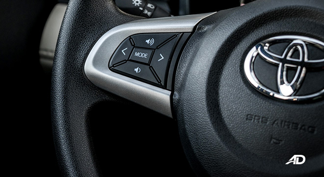 toyota rush road test interior buttons