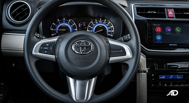 toyota rush road test interior steering wheel