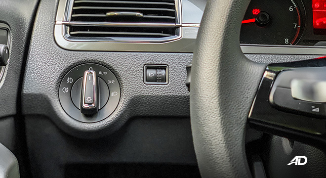 volkswagen santana road test interior