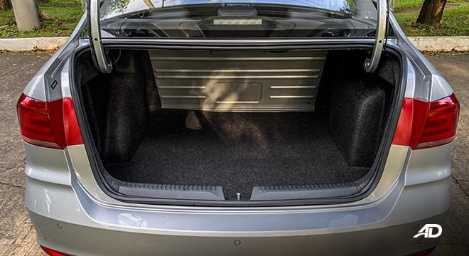 volkswagen santana road test interior trunk