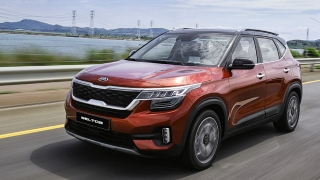 2020 Kia Seltos mars orange
