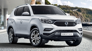2020 Ssangyong Rexton exterior quarter front Philippines