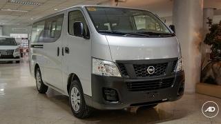 bff90d222f Compare Toyota Hiace Commuter 3.0 MT vs Nissan NV350 Urvan Escapade ...