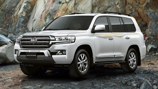 Toyota Land Cruiser 200 Premium 4.5L AT White Pearl 2018 Philippines brand new