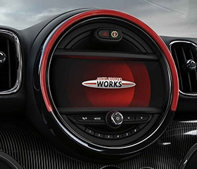 Mini JCW Countryman entertainment