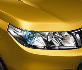 2020 Suzuki Vitara exterior LED projector headlights